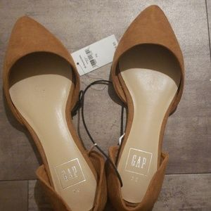 Gap pointed flats